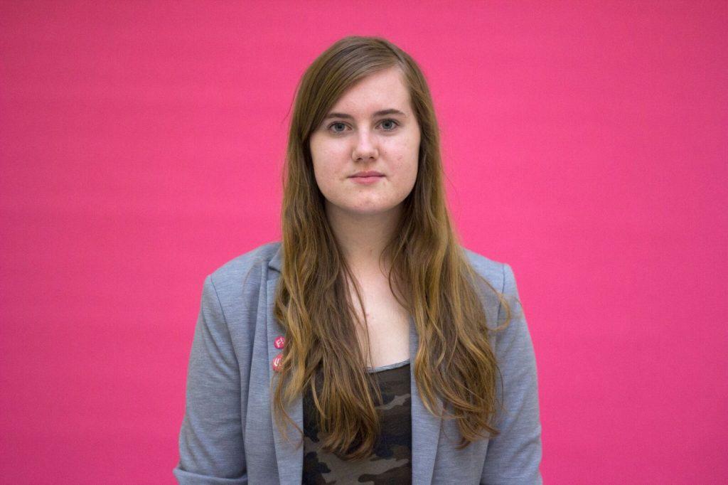 Nora Axelsson Håkansson, 18 år, Täby, Gymnasieelev